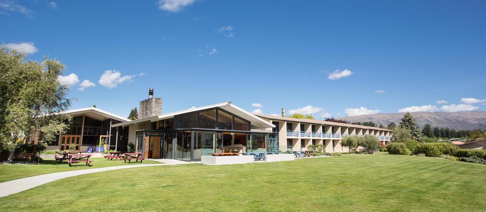Wanaka Hotel school group accommodation wanaka